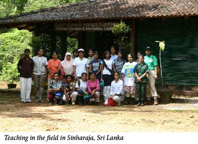 Uromi Goodale, Teaching in the field in Sinharaja, Sri Lanka